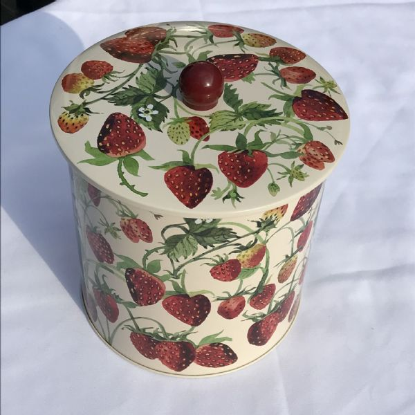 Strawberry Biscuit Tin